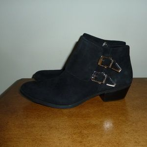 Vince Camuto Trapeez Buckle Suede Ankle Booties 9